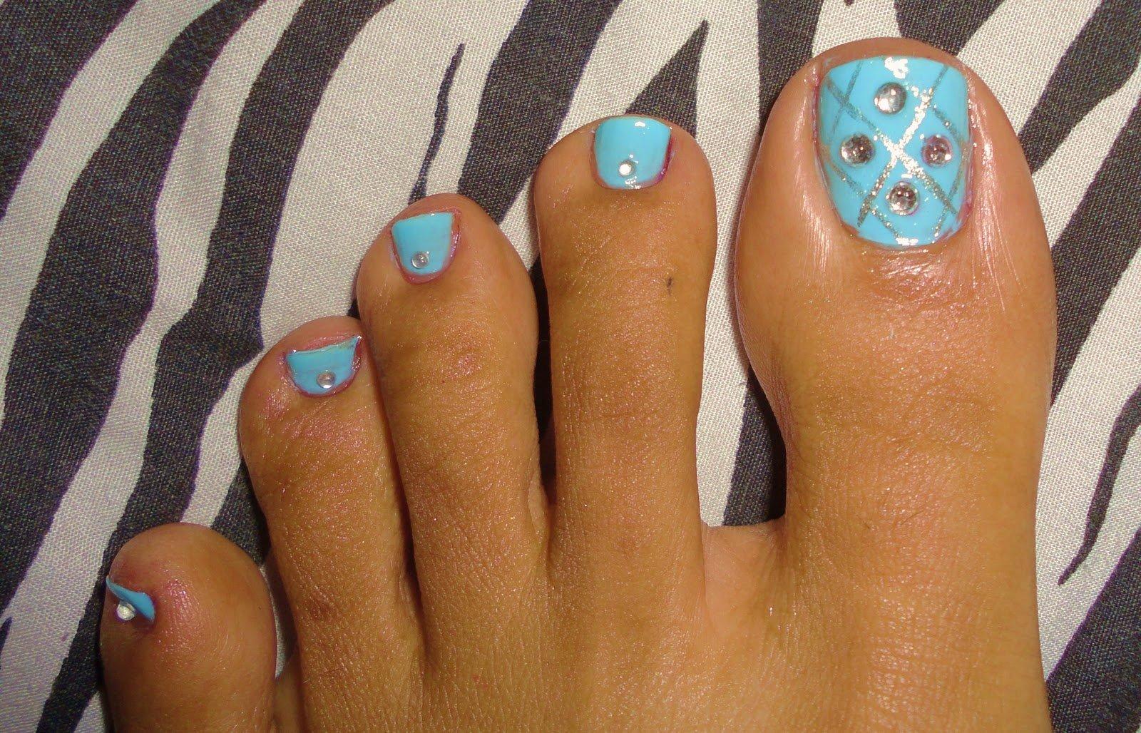 Красивый дизайн ногтей на ногах