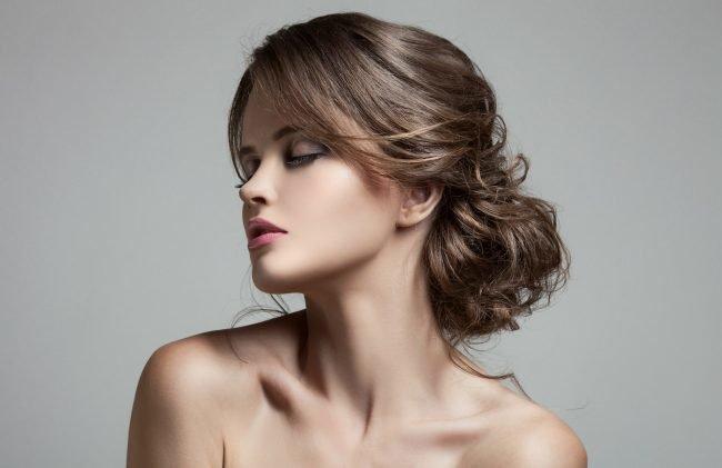 Pricheski-na-srednie-tonkie-volosy-foto_007-650x421 Прически на средние волосы: 100 фото самых стильных укладок