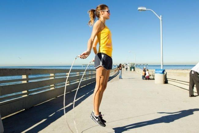 Как похудеть с помощью скакалки упражнения скипинг.