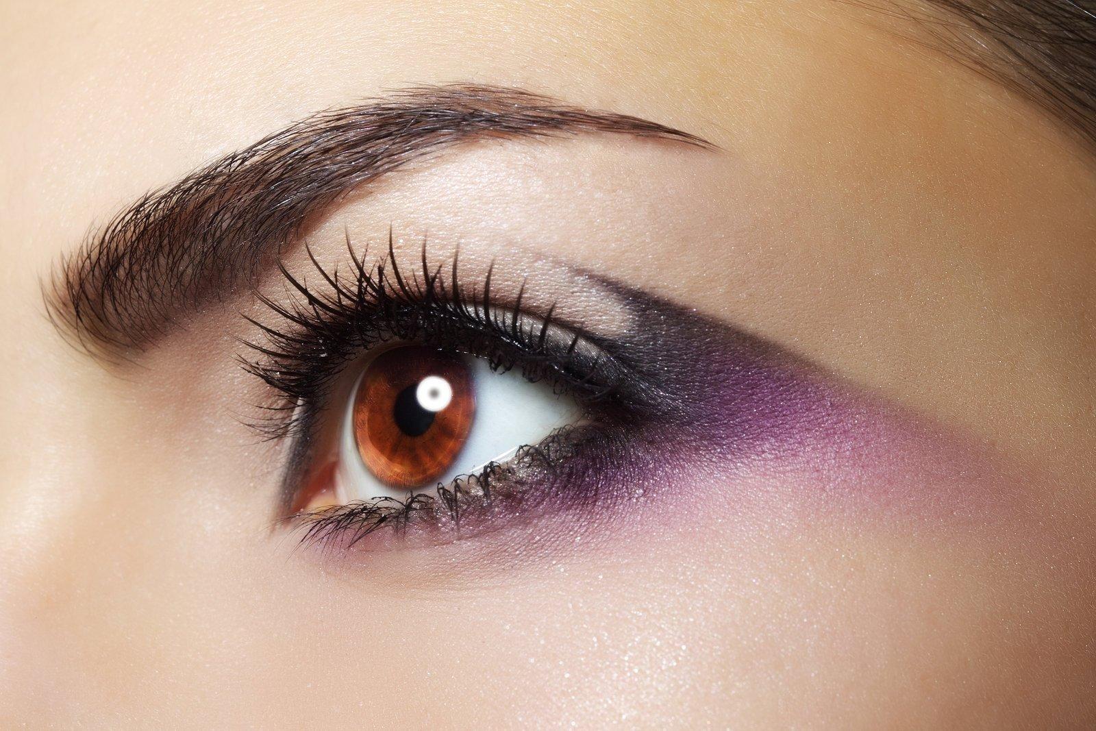 Макияж для карих глаз фиолетовые