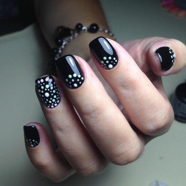 manikjur-s-risunkom-foto_-24-650x650 Очень красивый дизайн ногтей - 453 фото шикарного маникюра