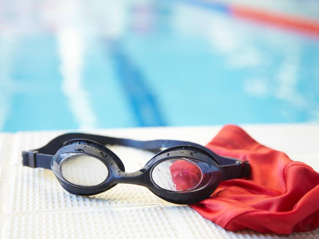 Как выбрать спортивные очки для плавания взрослому и ребёнку