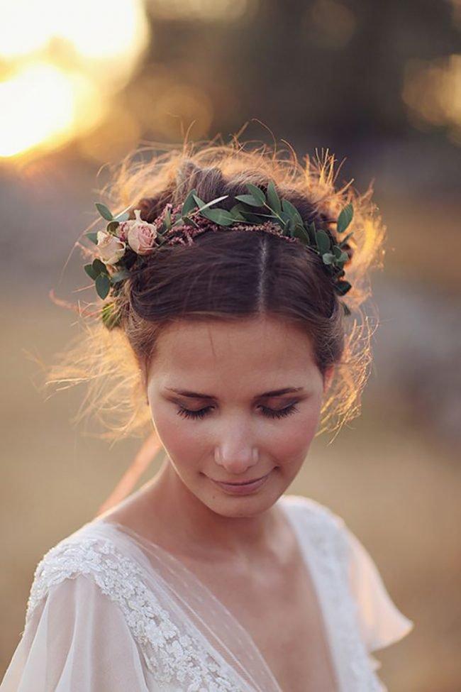 pricheski-na-svadbu-na-srednie-volosy-foto_06