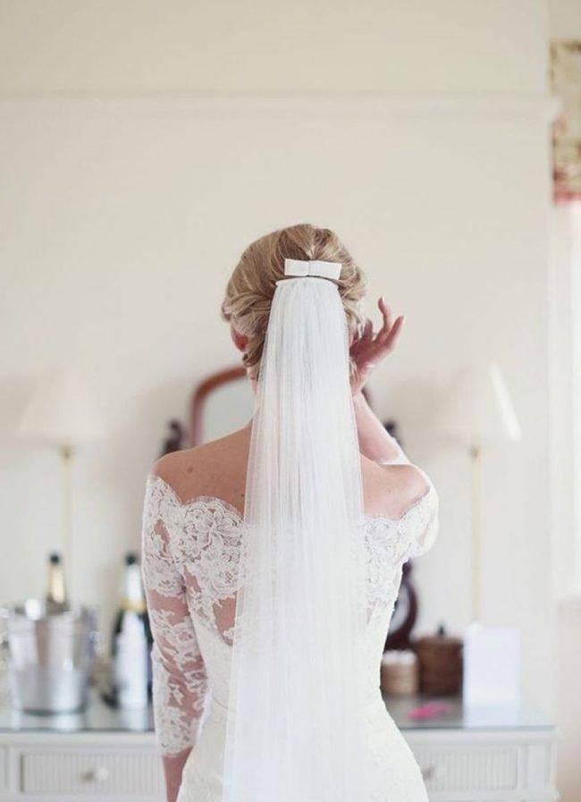 pricheski-na-svadbu-na-srednie-volosy-foto_09