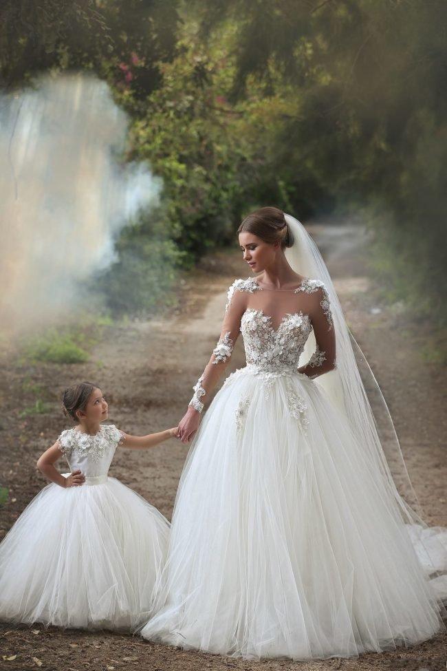 pricheski-na-svadbu-na-srednie-volosy-foto_51