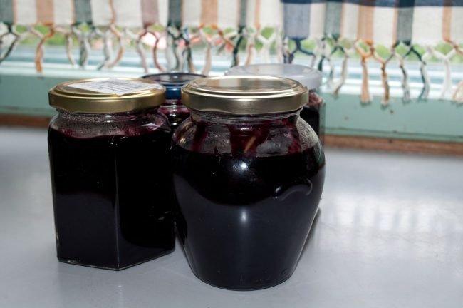 Varene-iz-chernoplodnoj-ryabiny-recepty-na-zimu_10