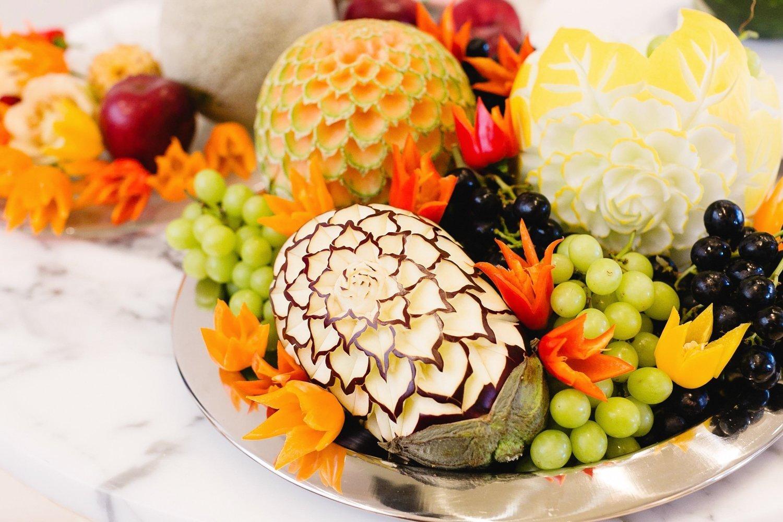другие картинки карвинга из овощей и фруктов отеля воссоздает образы