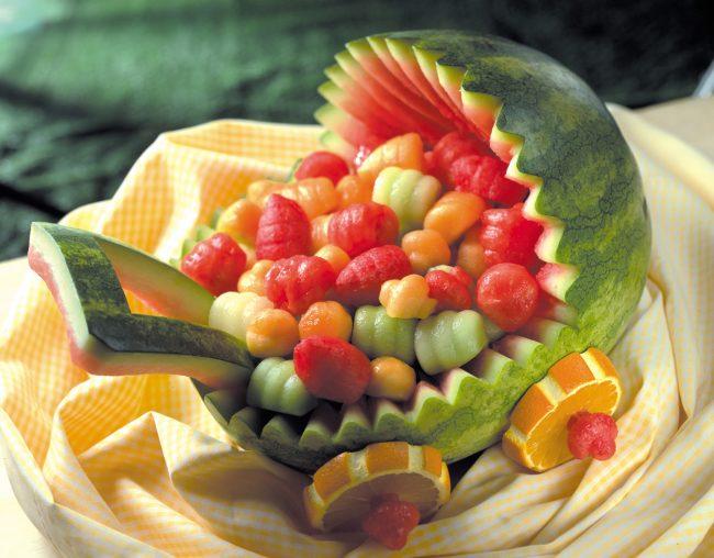 karving-iz-ovoshhej-i-fruktov-poshagovoe-foto_23