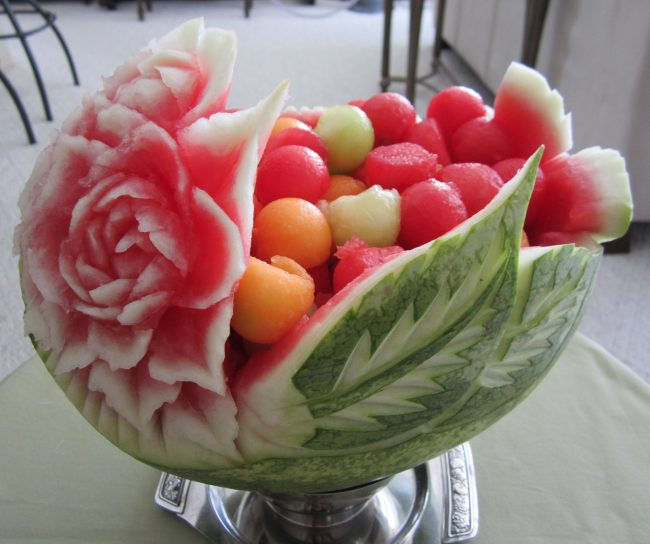 karving-iz-ovoshhej-i-fruktov-poshagovoe-foto_24