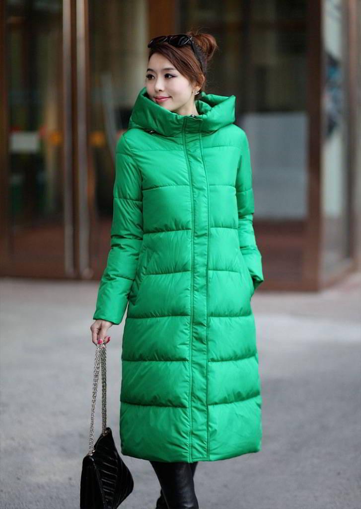 Купить зеленый женский пуховик с мехом