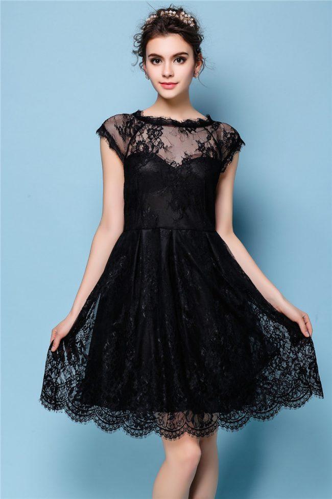 Malenkoe-chernoe-plate-foto-novinki_43-650x975 Черное коктейльное платье 2019 (56 фото)