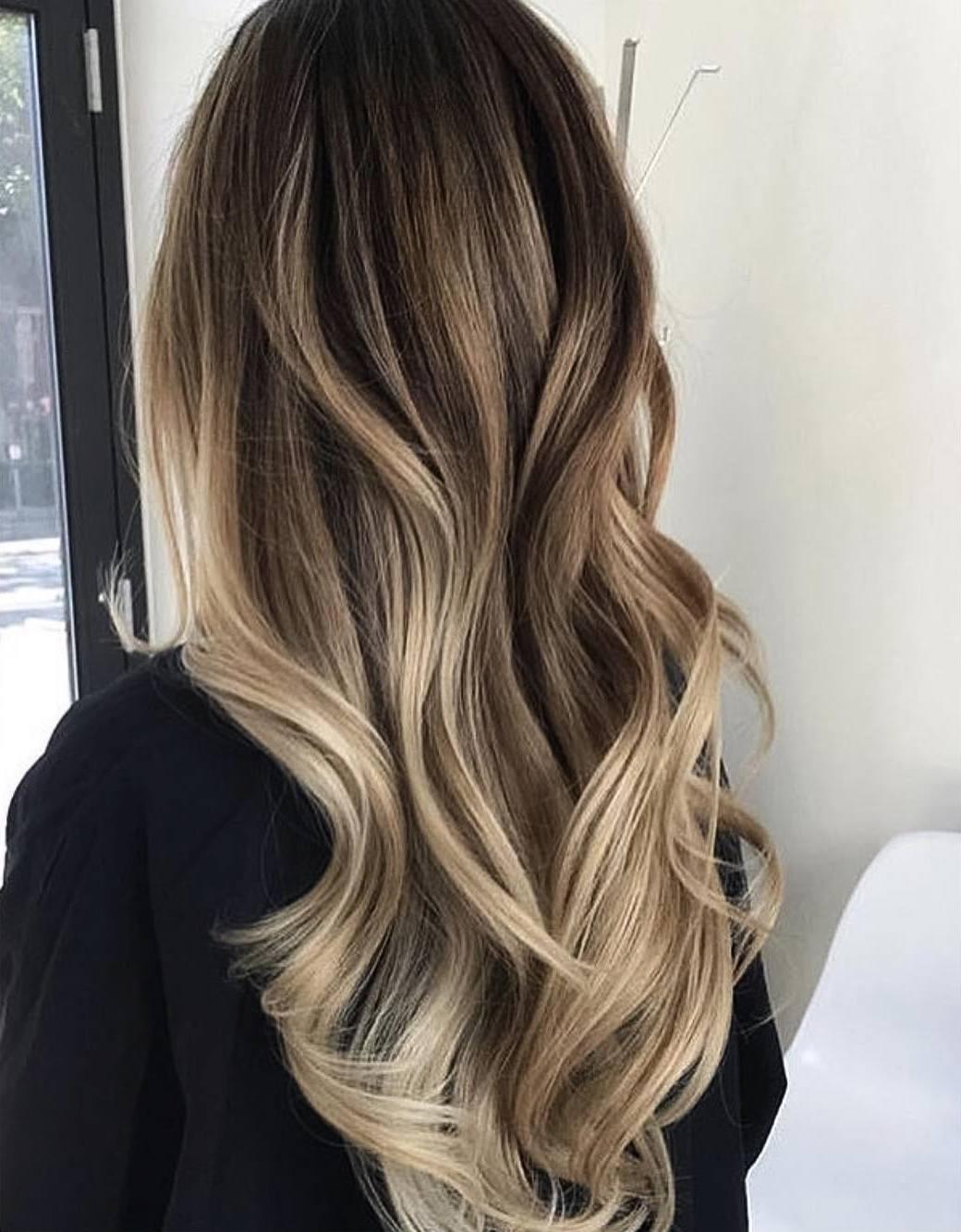 Модное окрашивание балаяж на темные волосы 50 фото