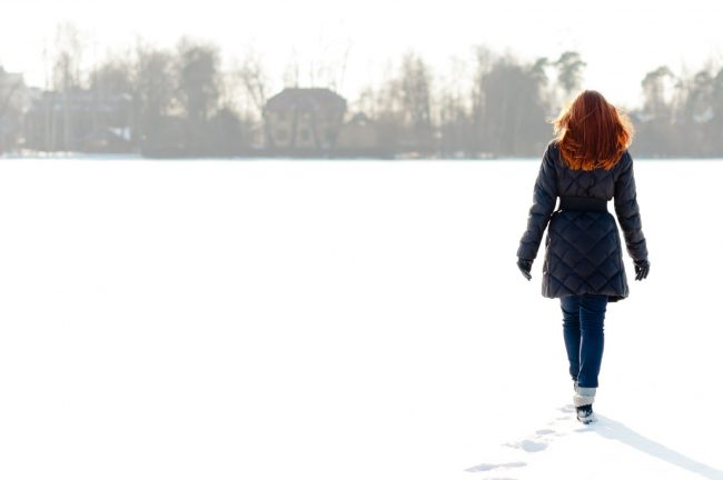 palto-zhenskie-zimnie-na-sintepone-s-kapyushonom-foto_20
