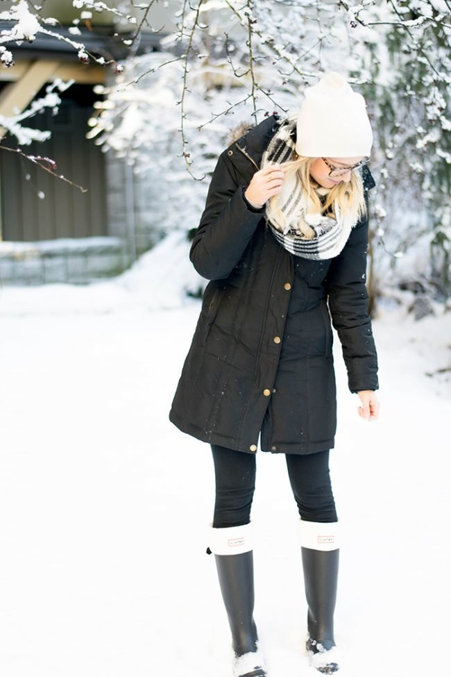 palto-zhenskie-zimnie-na-sintepone-s-kapyushonom-foto_28