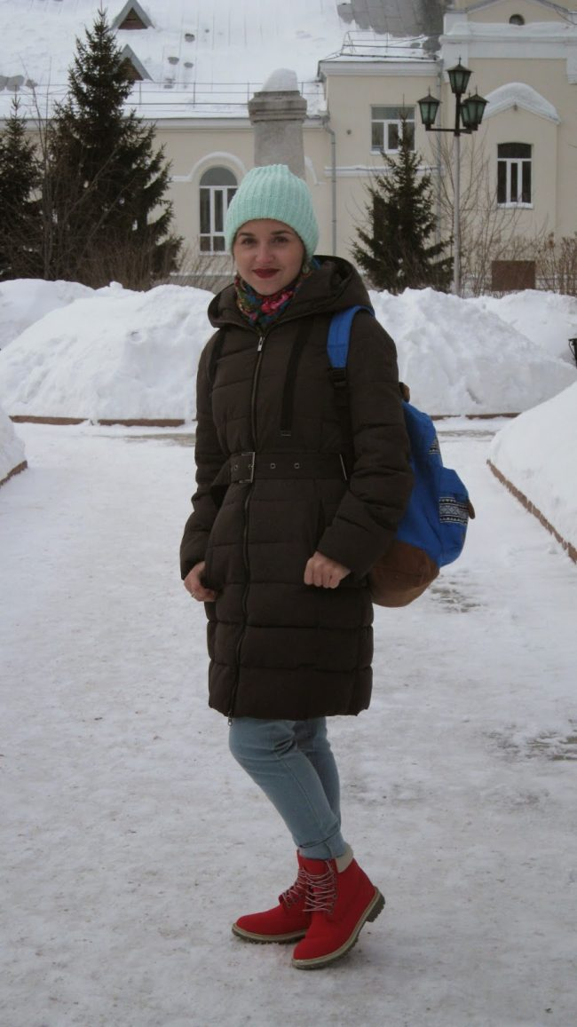 palto-zhenskie-zimnie-na-sintepone-s-kapyushonom-foto_38