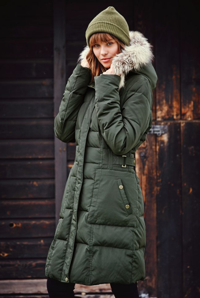 palto-zhenskie-zimnie-na-sintepone-s-kapyushonom-foto_39