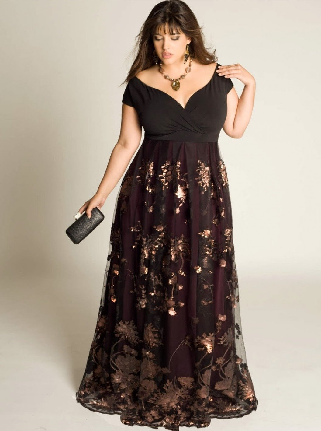 Приеме фото платьев для толстушек транса дом