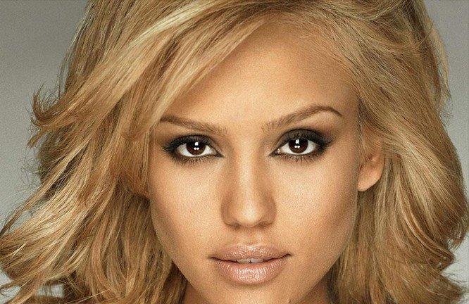 makiyazh-dlya-blondinki-s-karimi-glazami-foto_-34 Цвет волос для карих глаз. Фото оттенков волос и макияжа.