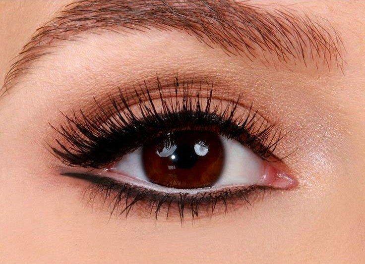 makiyazh-dlya-blondinki-s-karimi-glazami-foto_-50 Цвет волос для карих глаз. Фото оттенков волос и макияжа.