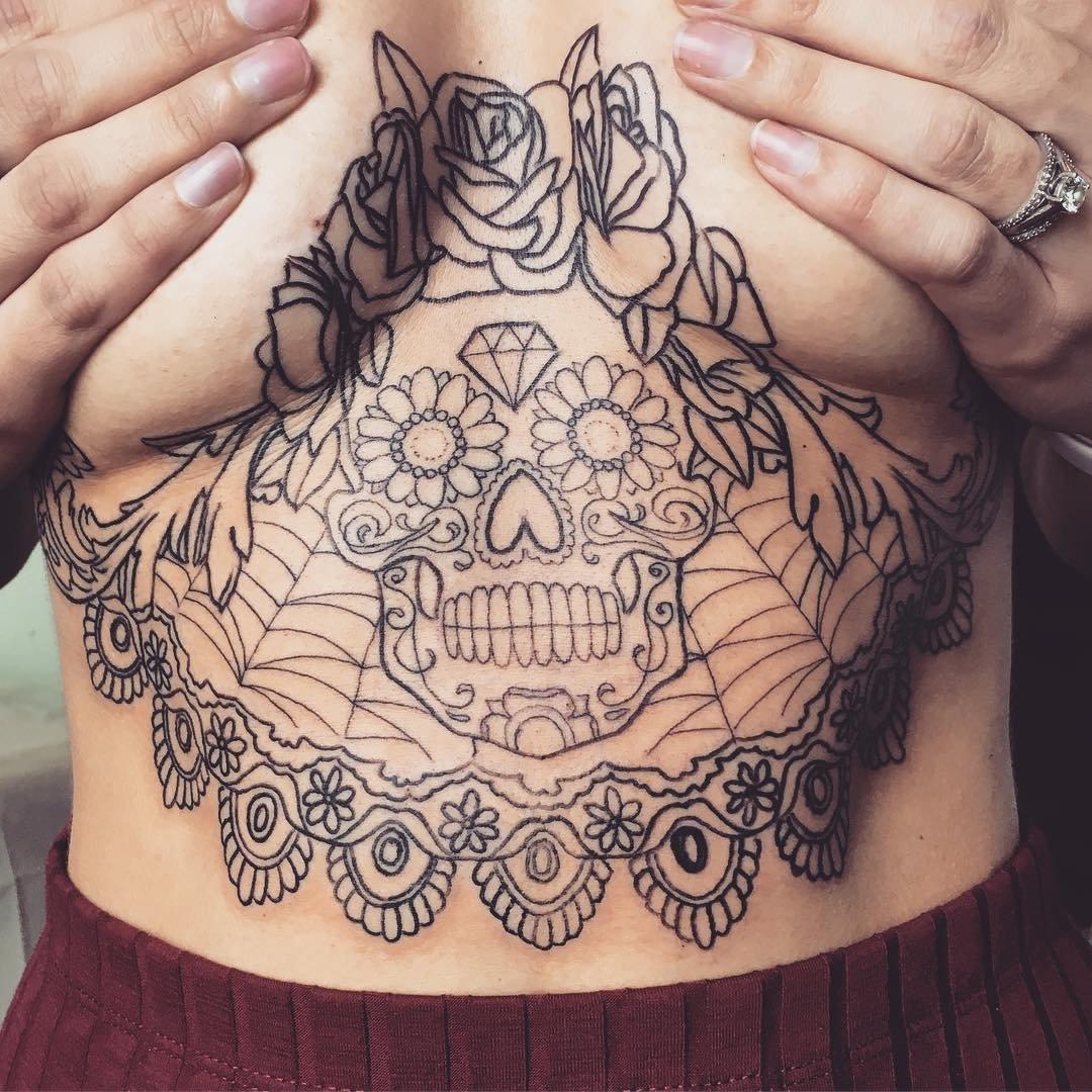 не помешают ли татуировке темные волосы