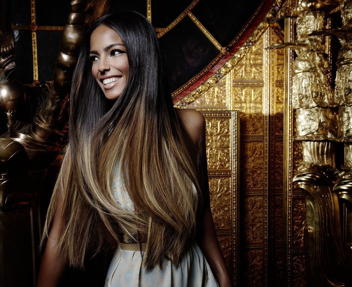 Фото девушки с красивыми косами
