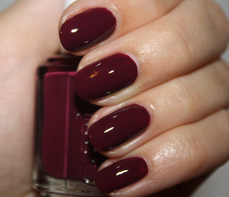 Маникюр с темно вишневым лаком фото