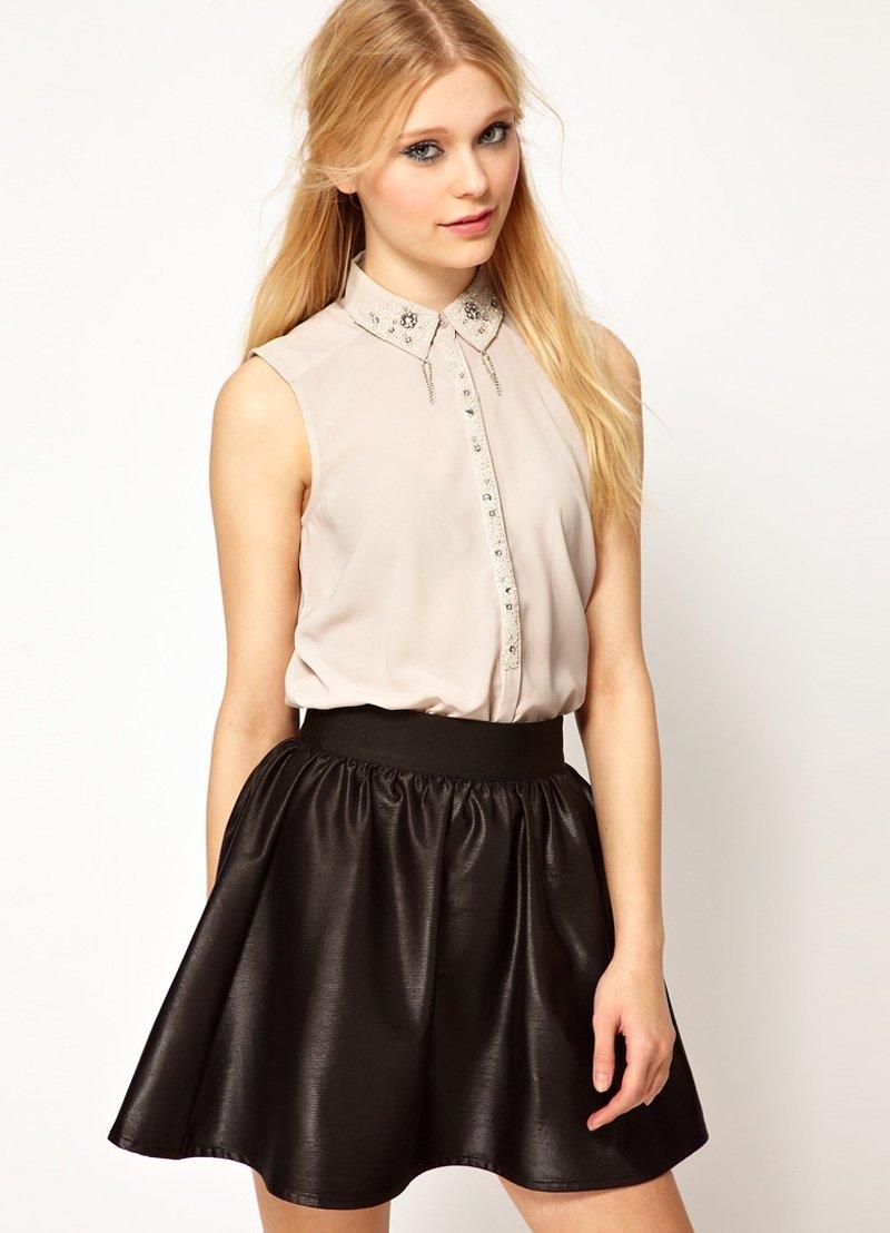 38fcd68de4b Некоторые Дома моды сделали ставку на блузках с очень необычным кроем  рукавов с акцентом на плечи ...