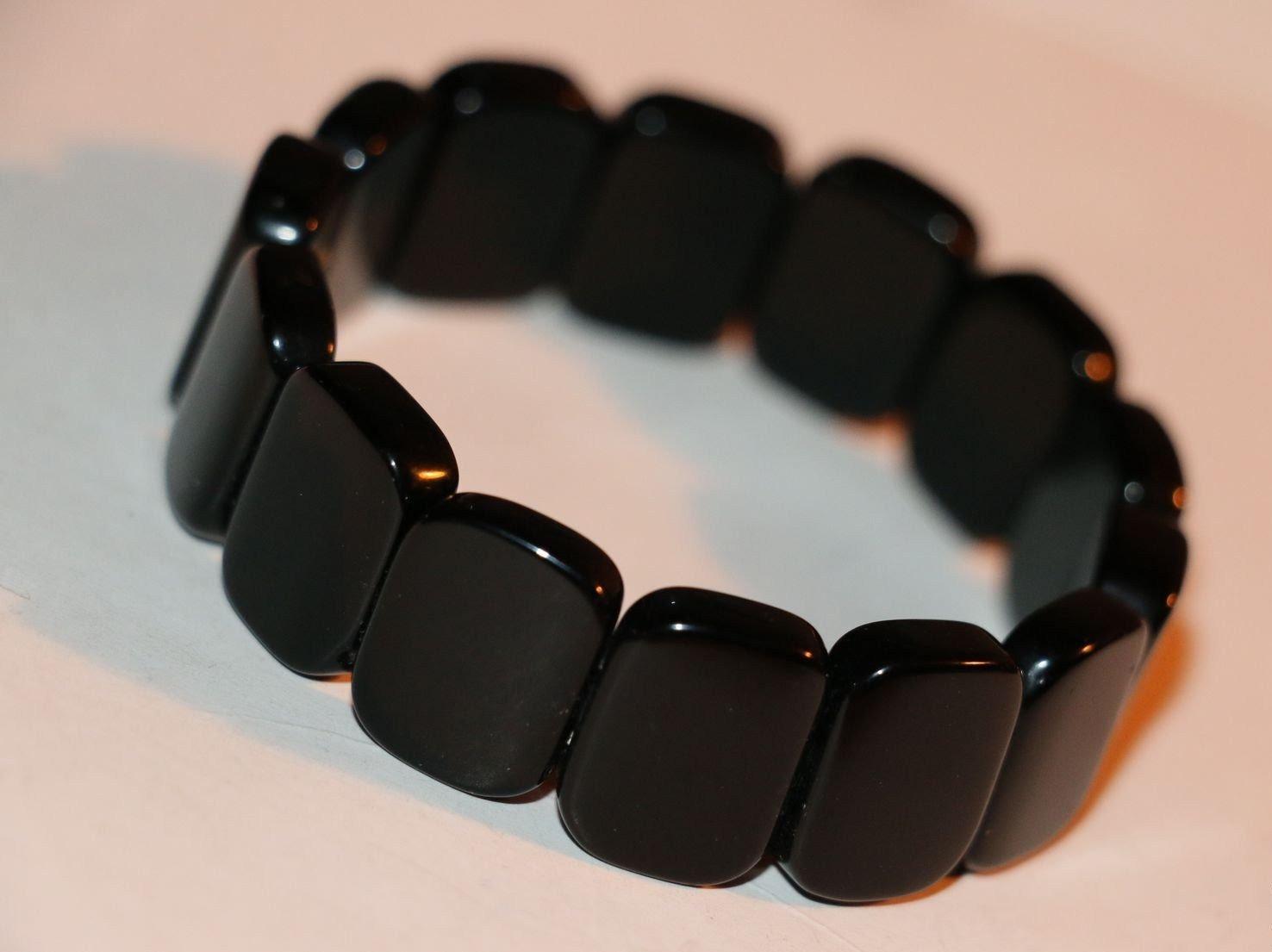 фото черный нефрит бяньши браслет щенков хаски