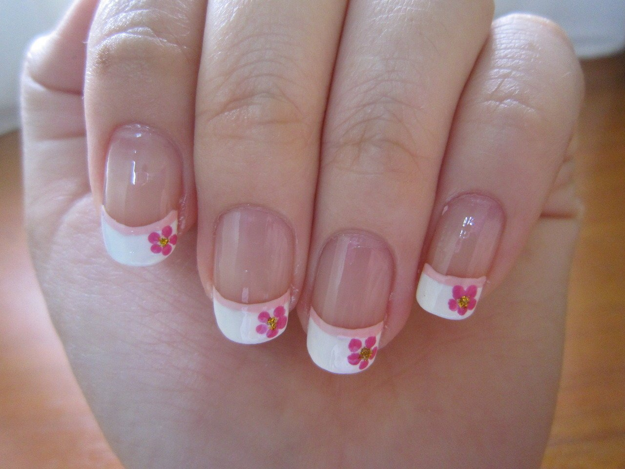 Рисунки на ногтях фото френч на маленькие