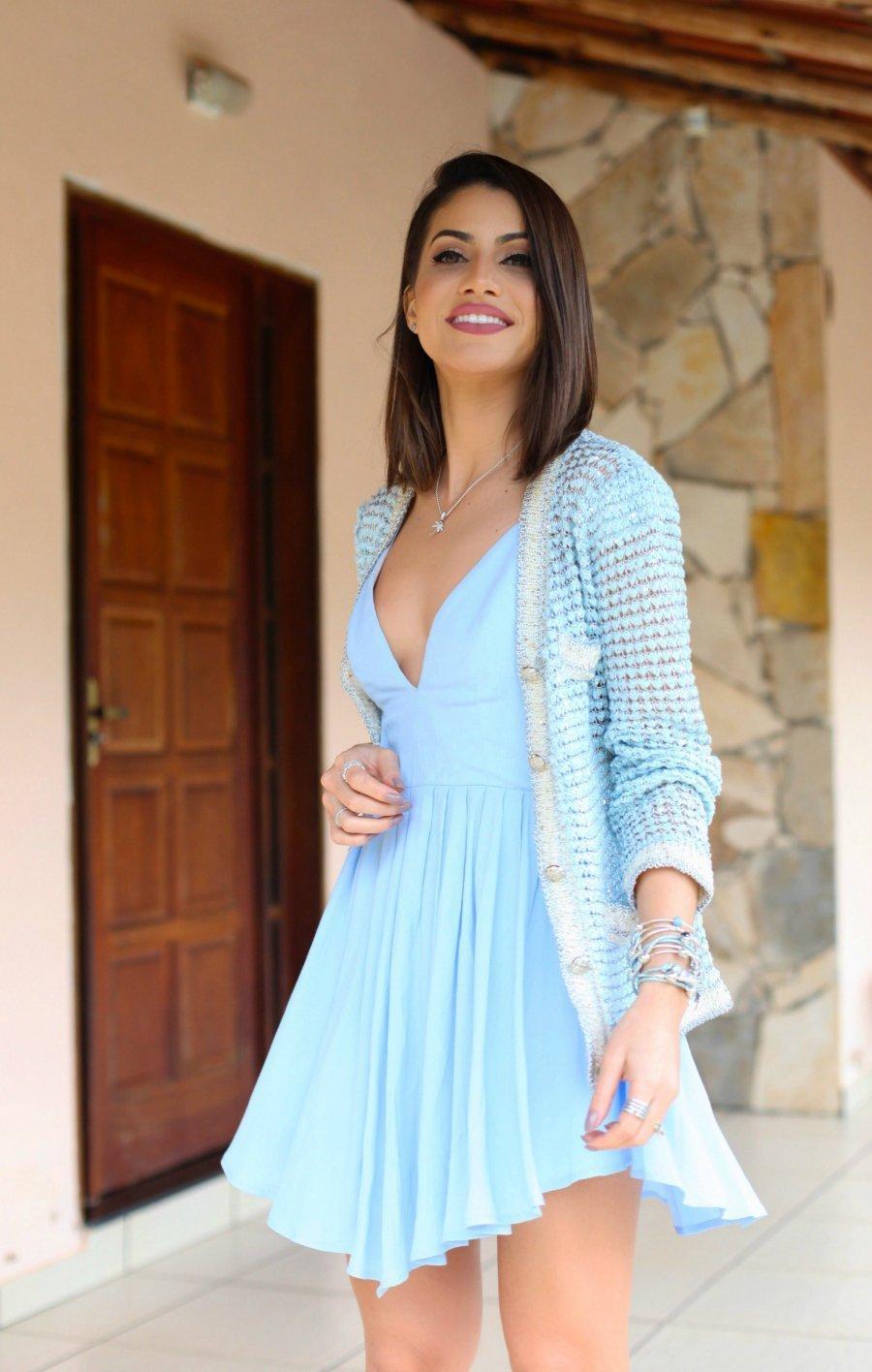 1f864bc481c 50 фото  Шикарное Голубое Платье — С чем носить в 2019