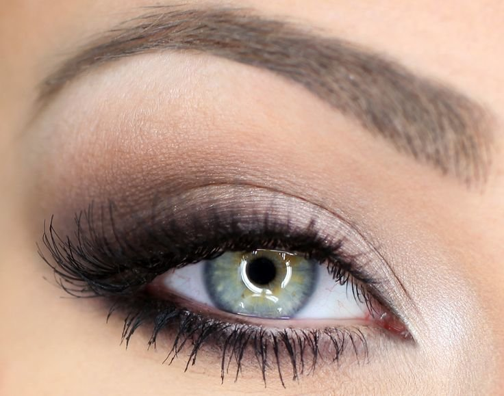 Фото макияжа глаз с коричневыми тенями
