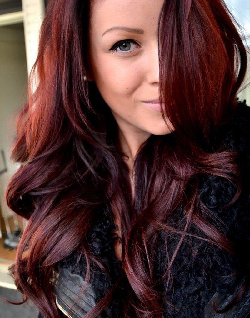 Тёмно-бордовые волосы