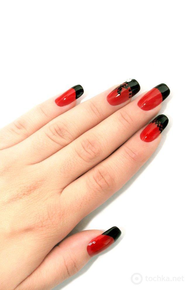 Дизайн ногтей красный с черным с рисунком