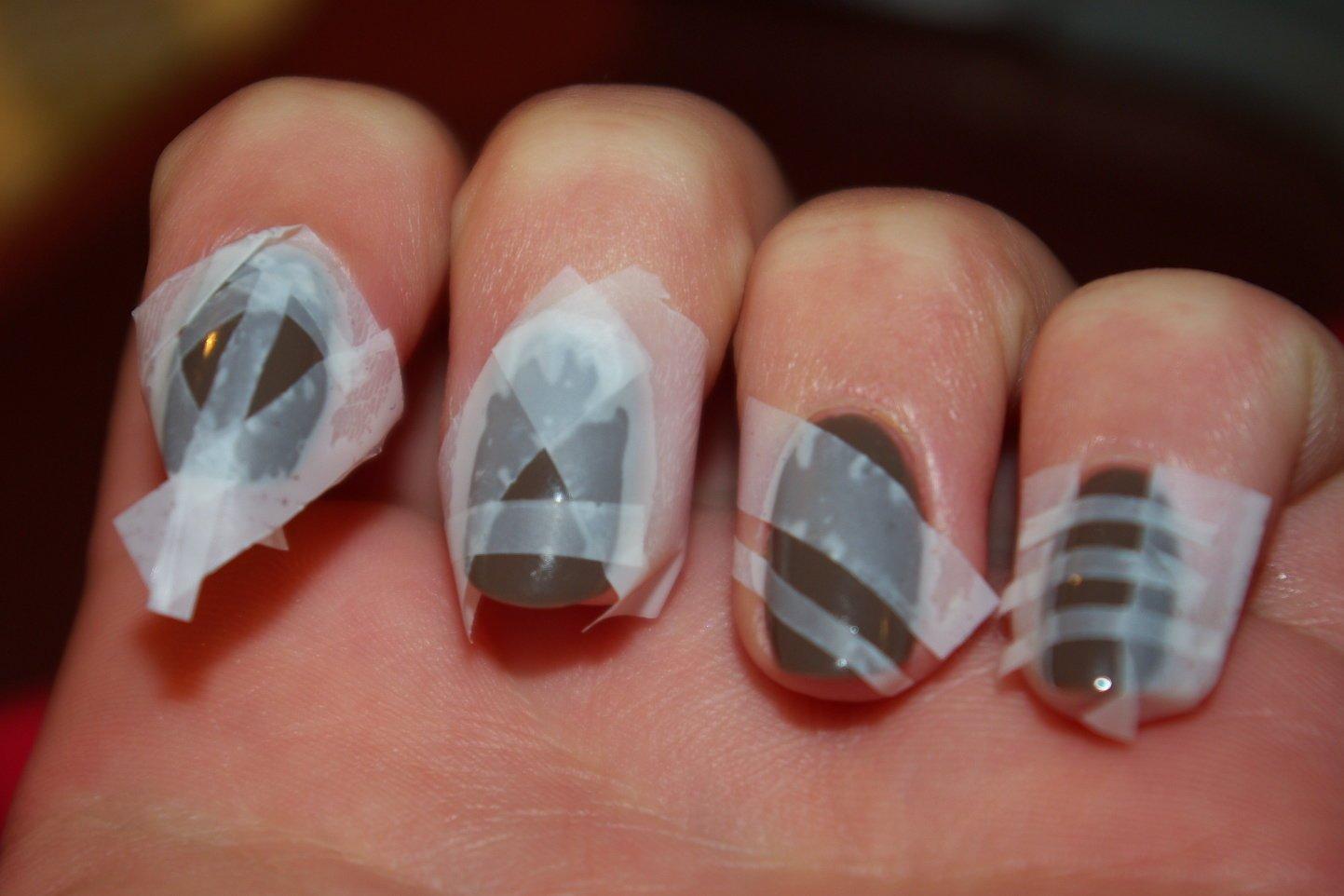Как покрасить ногти короткие