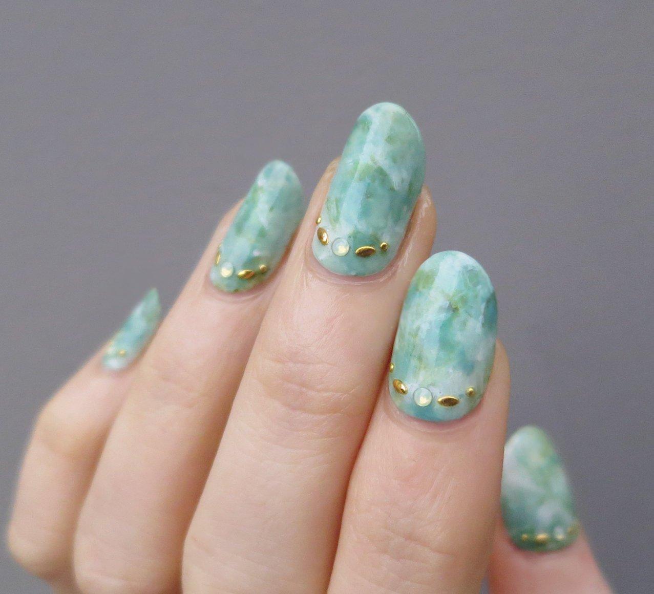 mramornyj-manikyur-foto_37 Мраморный маникюр: топ-8 стильных идей дизайна для ногтей