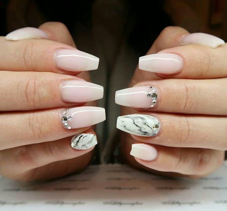 mramornyj-manikyur-foto_46 Мраморный маникюр: топ-8 стильных идей дизайна для ногтей