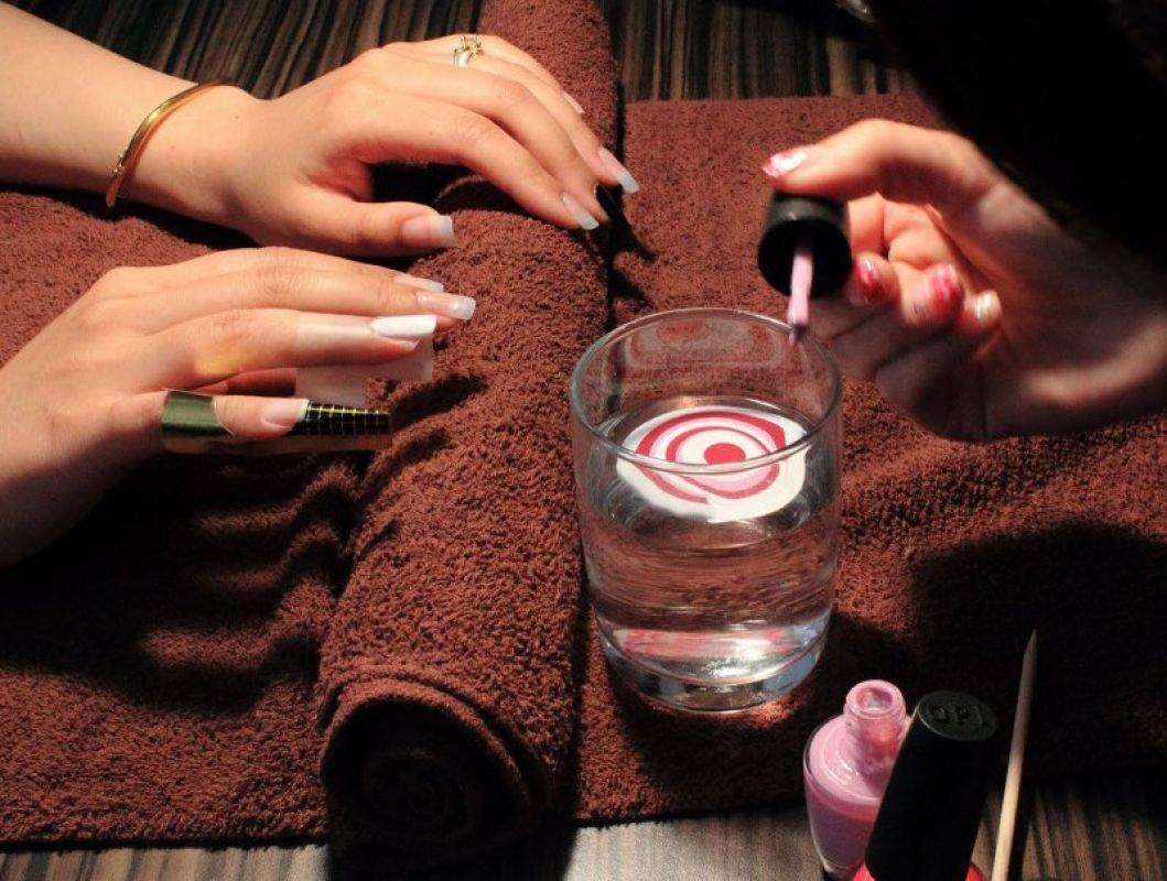 mramornyj-manikyur-foto_58 Мраморный маникюр: топ-8 стильных идей дизайна для ногтей