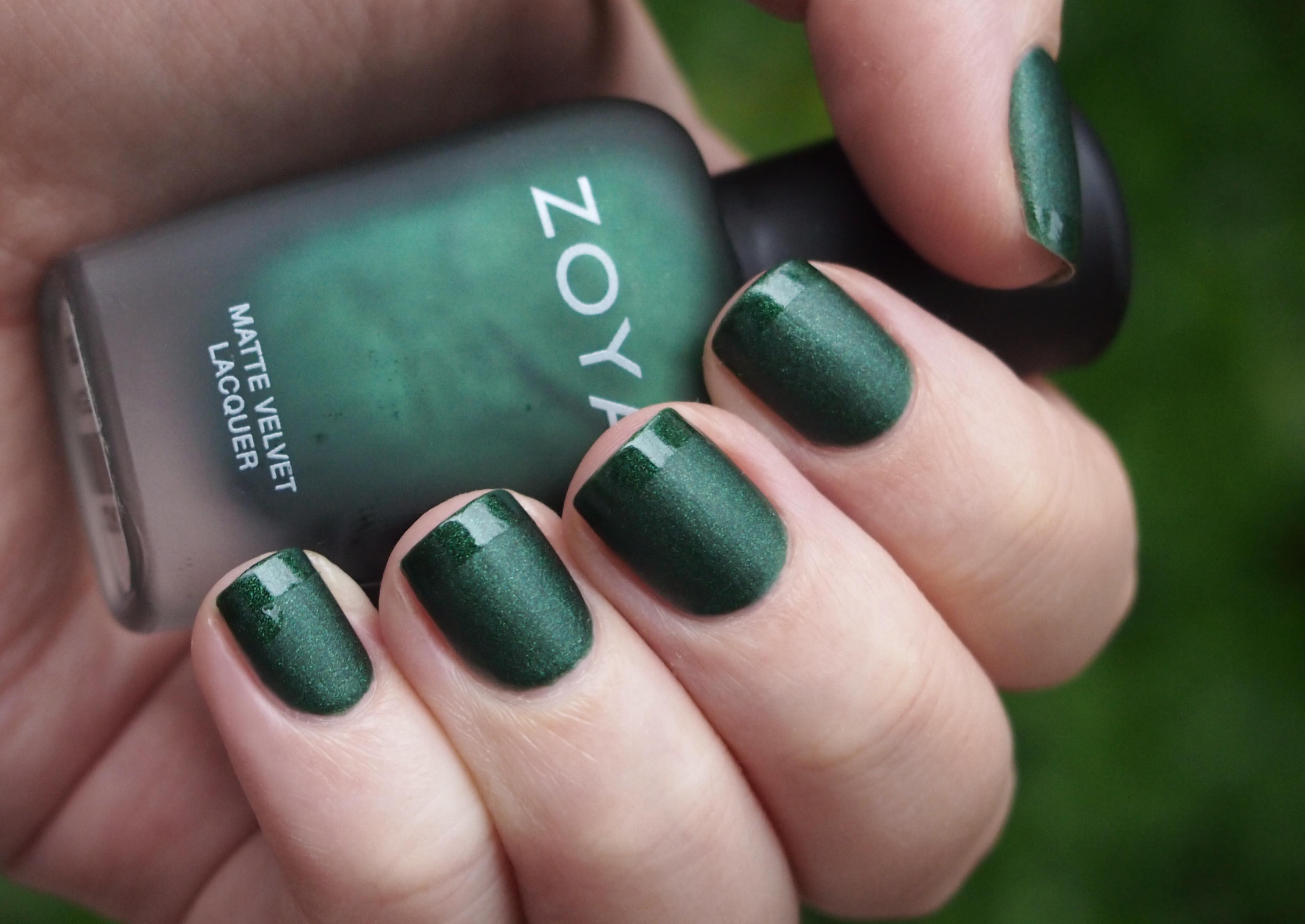 zelenyj-manikyur-2017-foto_6
