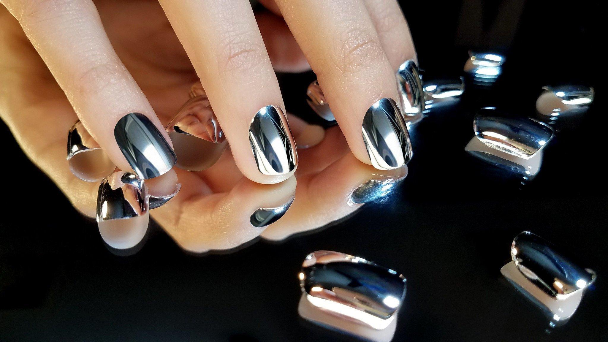 картинки с маникюром на ногтях гель лаком зеркальный сразу вспомнили