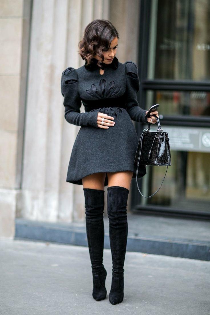 Платье под ботфорты на каблуке фото