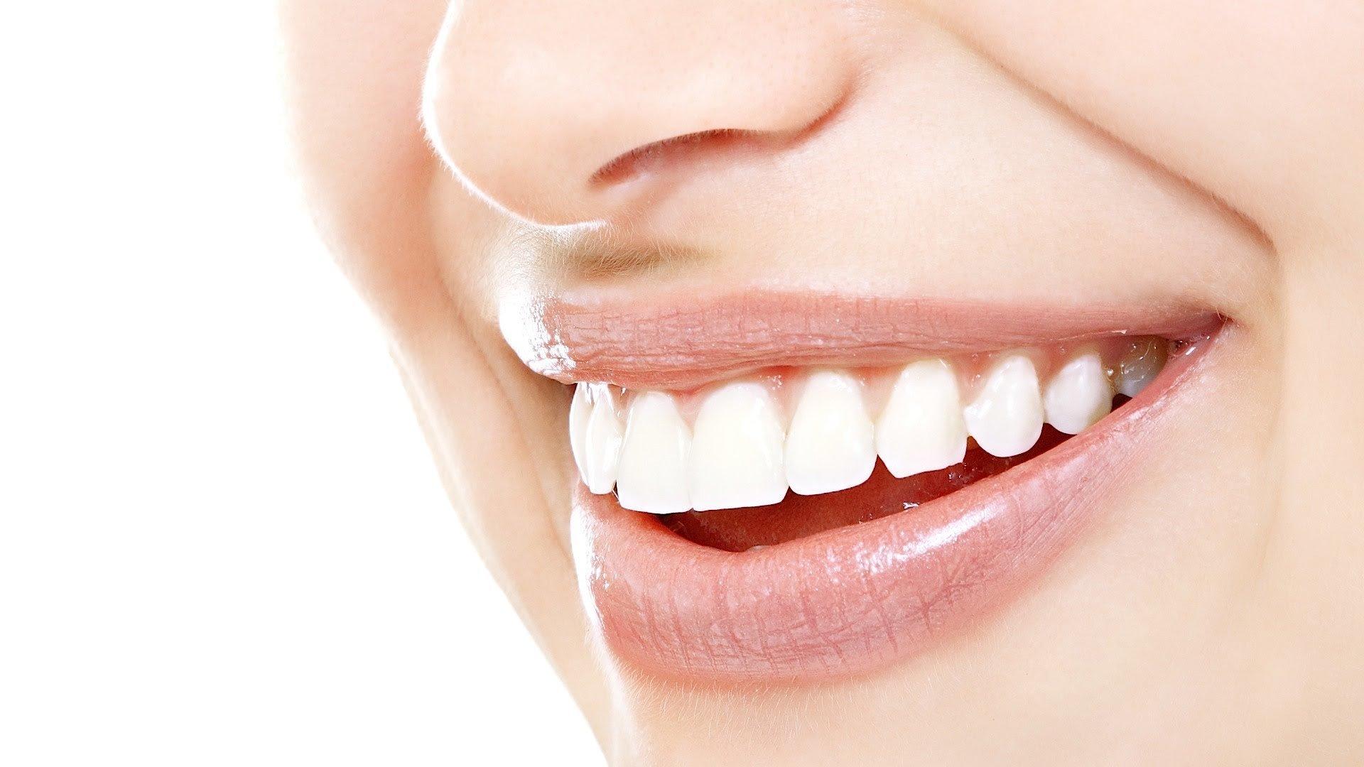 вставные зубы запах изо рта что делать