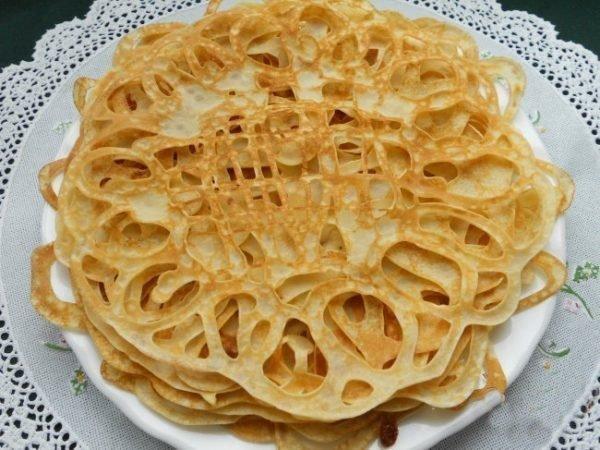 azhurnye-blinchiki-na-moloke-recept-s-foto_ (1)