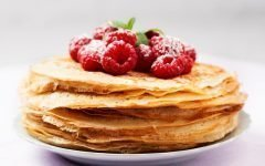 azhurnye-blinchiki-na-moloke-recept-s-foto_ (9)