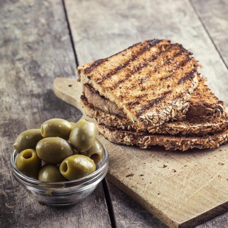 Рецепт чесночные гренки из черного хлеба 158