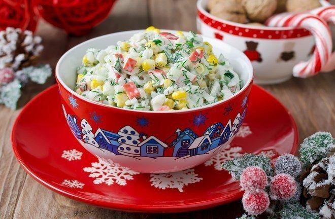 salat-s-krabovymi-palochkami-pomidorami-i-syrom_ (2)