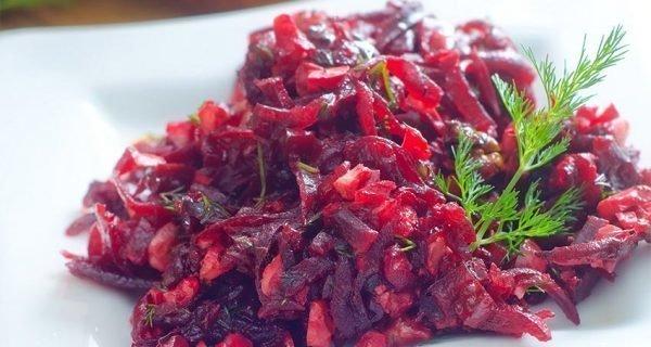 salat-svekla-s-greckimi-orexami-i-chesnokom_ (6)