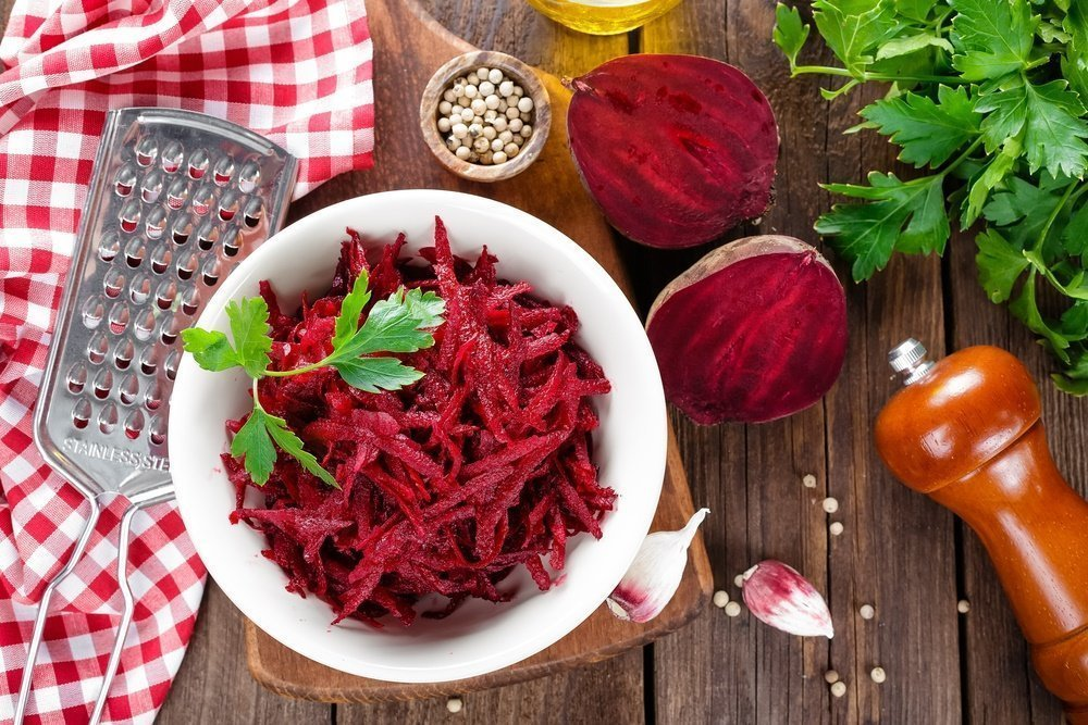 salat-svekla-s-greckimi-orexami-i-chesnokom_ (8)