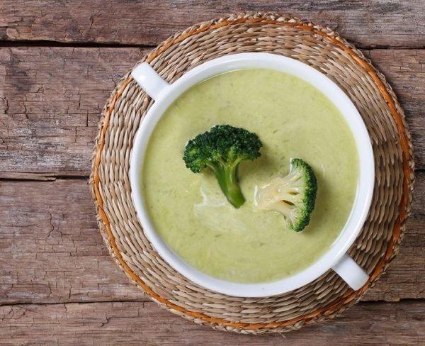 sup-pyure-iz-brokkoli-so-slivkami-recepty_ (3)