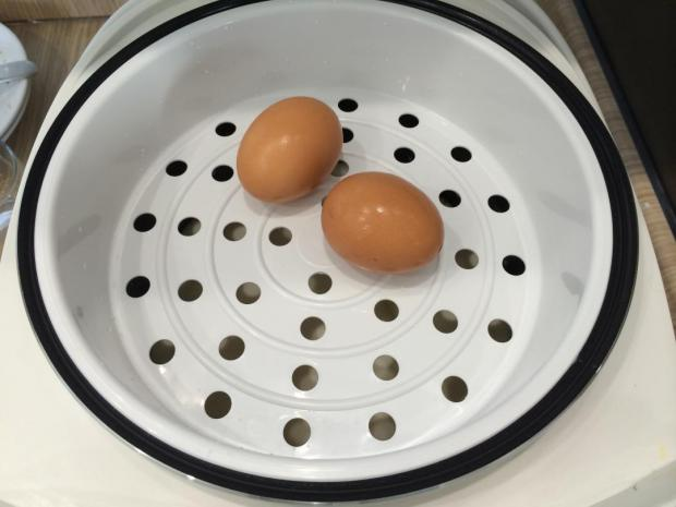 Яйцо на пару