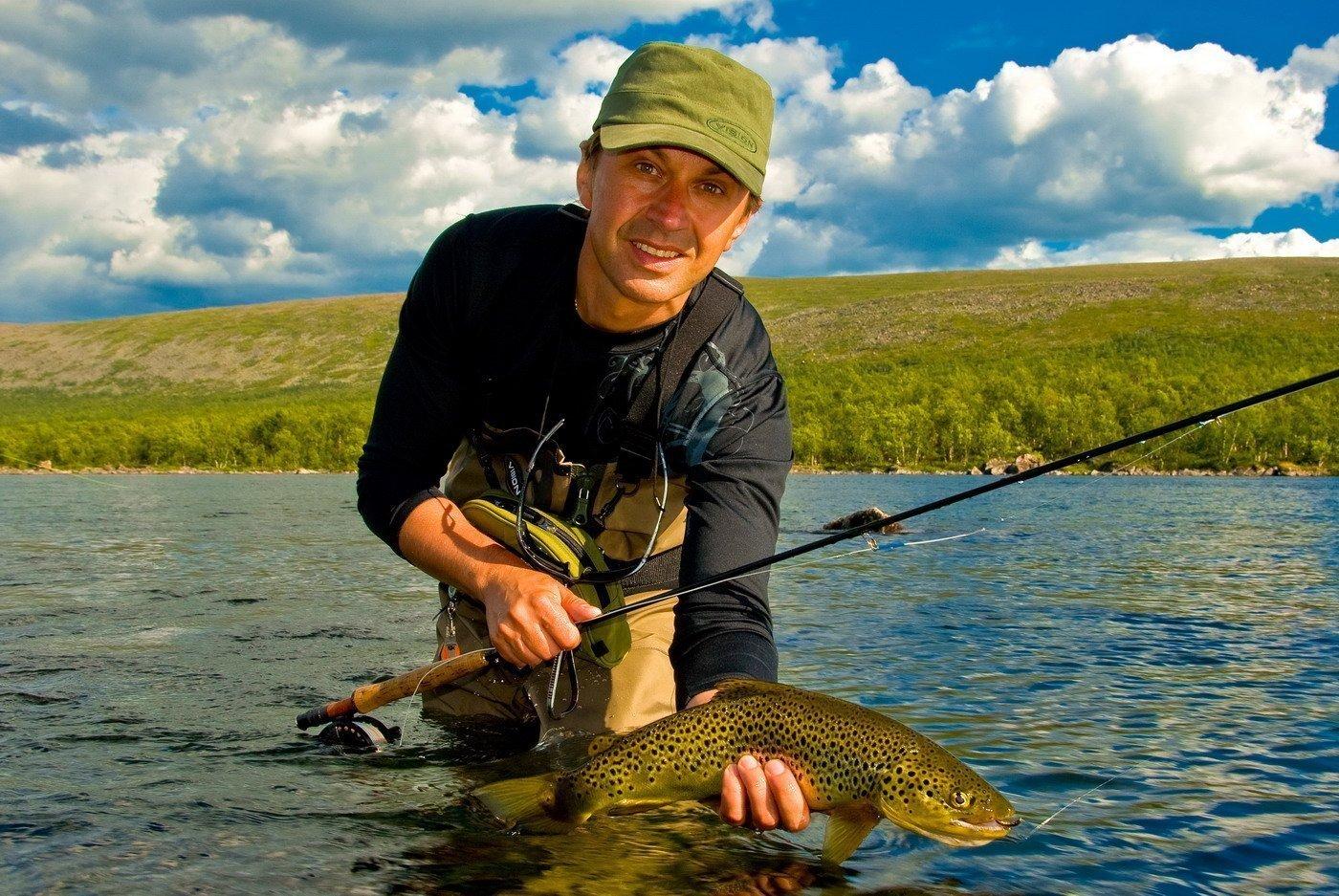 картинка мужчина рыбачить земле родной трудились